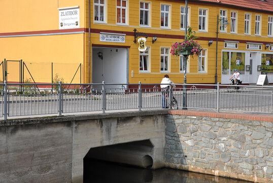 Ihlebrücken, Burg