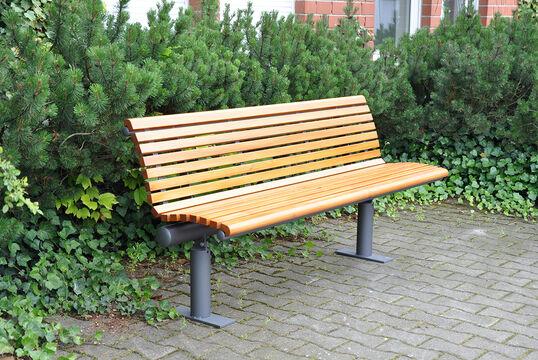 Sitzbank mit Holzauflage Essen