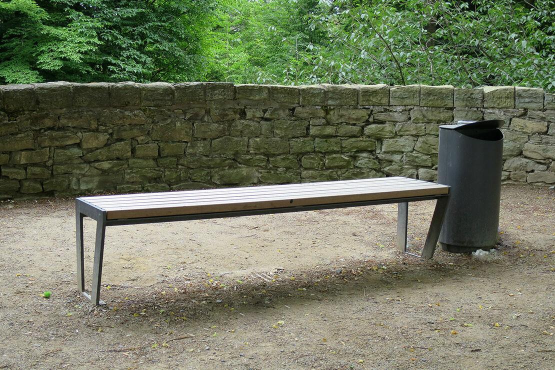 Neue Sitzbänke