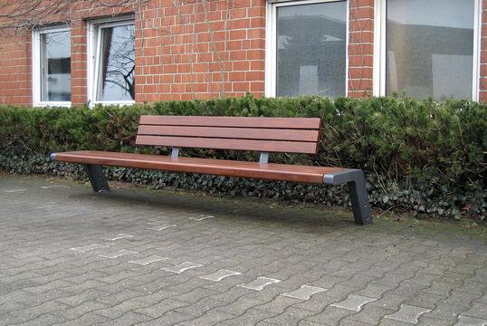 Sitzbank mit Holzauflage Jump