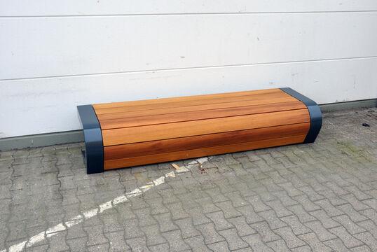 Hockerbank mit Holzauflage Beluga