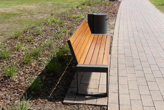 Sitzbank mit Holzauflage Cubo
