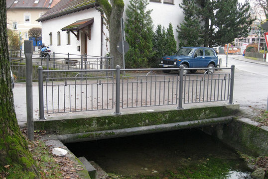 Dorfstr./Zacherlstr., Ismaning