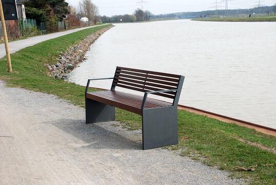 Sitzbank mit Holzauflage Malmö